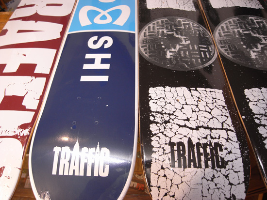 TRAFFIC (トラフィック) 2010新作デッキ入荷!!