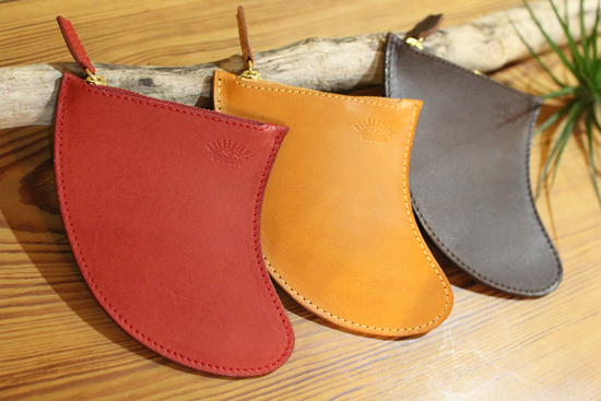 RULEZPEEPS  FIN LEATHER COIN CASE