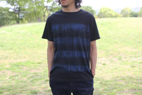 DEVADURGA (デヴァドゥルガ) A-BORDER CUT SEW 藍染め Tシャツ