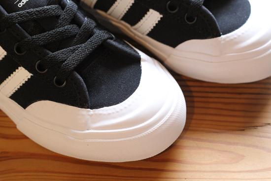 ADIDAS SKATEBOARDING (アディダススケートボーディング) MATCHCOURT J (BLACK/WHITE)