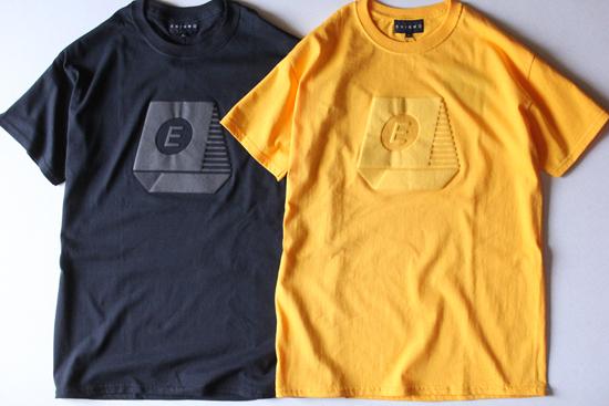 TYPEWRITER FOAM Tシャツ
